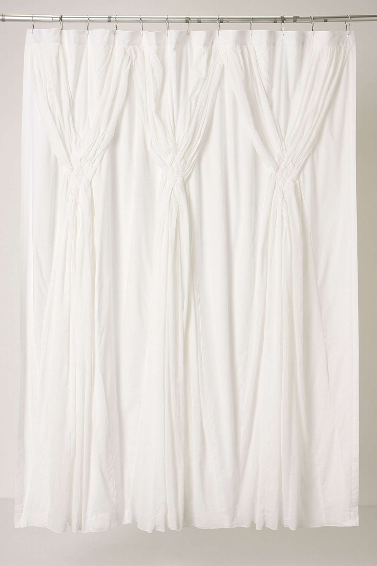 Knotted Vines Shower Curtain: a touch of elegance for the bath