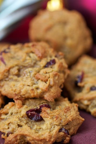 ~~Persimmon Cookies with walnuts, golden raisins and Craisins (grandma's recipe) ~ my husband (who compares all dessert recipes to his Mom's) LOVES this recipe! | BiteClubEats~~