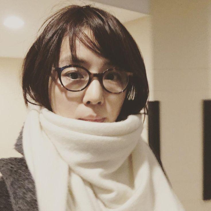 いいね!62.8千件、コメント733件 ― 石田ゆり子さん(@yuriyuri1003)のInstagramアカウント: 「乱れ髪の女。 髪を切ろうかと思う今日この頃。」