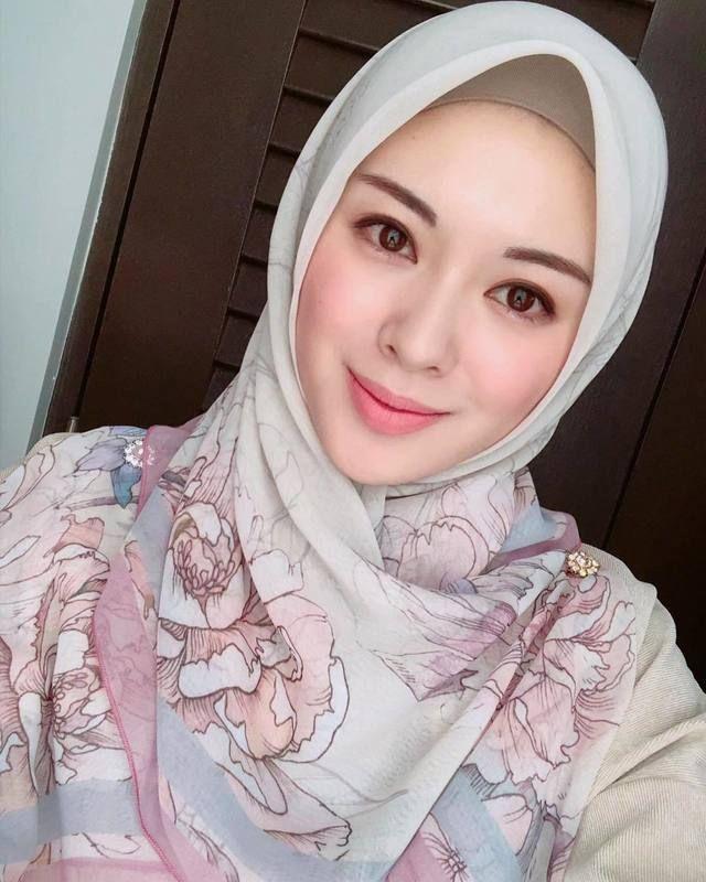 Artist Hd Wallpapers In 2021 Beautiful Hijab Girl Hijab Most Beautiful Indian Actress