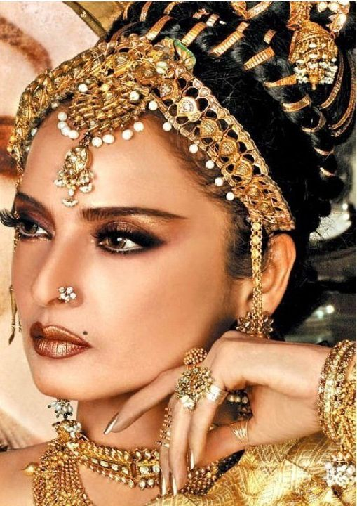 Rekha Known As Ice Queen She Was A True Trend Setter