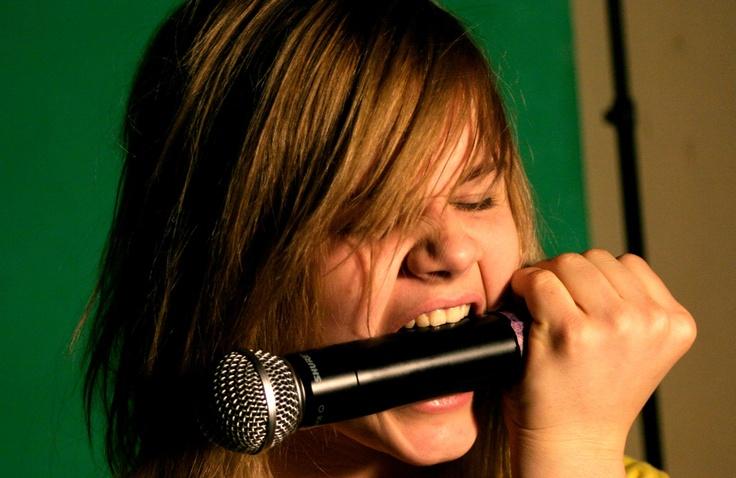 Usta milczą? Ale dusza śpiewa! Rock, soul, jazz, pop, gospel - śpiewaj, śpiewaj, śpiewaj! Twoje struny głosowe chcą treningu? Twoje uszy potrzebują nastrojenia?