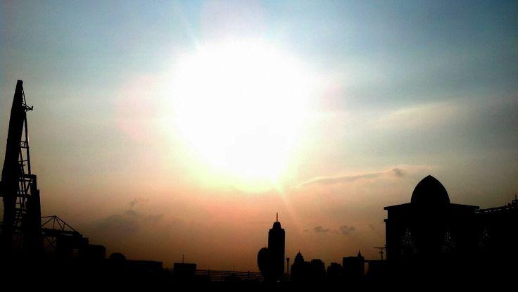 sun bright othe rooftop #siluet