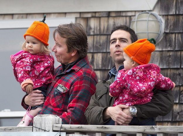 This Photo Of Justin Trudeau With An Openly Gay Family Is Blowing Up On Facebook