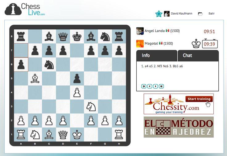 Grandes noticias acerca de Chess Live.   1. Hemos perfeccionado el premove.  2. Hemos instalado unos iconos para saber exactamente de quien es el turno.  3. Hemos mejorado el diseño y algunas partes internas del juego.   Para finalizar decir que estamos a punto de conseguir los 2.500 usuarios. Os agradeceríamos mucho que compartierais la imagen para ayudarnos a conseguir esta meta. Gracias a todos!  Chess Live: http://chesslive.com