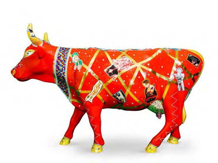 JOSÉPHINE DISCOW' L'ARTISTE Joséphine Ekedi est née en 1978 à Otelé (Cameroun). Dès sa plus tendre enfance, son père lui fait partager sa vie entre le Cameroun et l'Europe. Paris lui confirme sa passion… - Cornette de Saint Cyr - 31/10/2015 #Vache #Cow