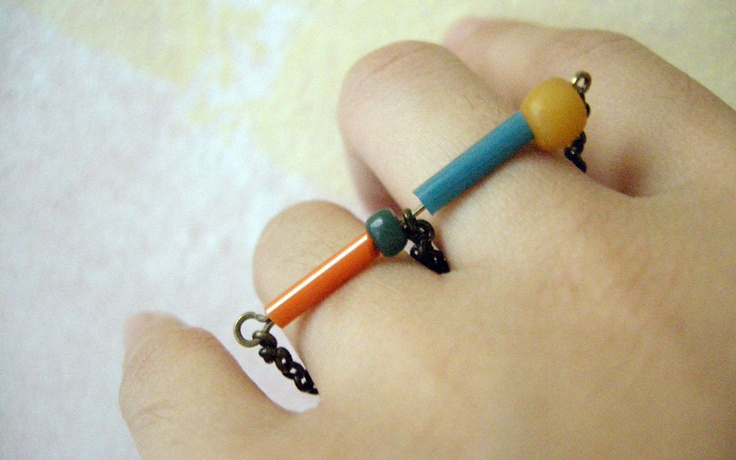 Twinnie Ring.  Handmade recycled beads and chain.  For order:  http://www.facebook.com/Selvetica