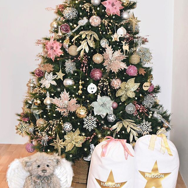 Christmas tree is up 🎄😍 _ These gorgeous personalised santa sacks from @luvi_shell are on sale for the next 48 hours 🙌🏼 Use code HOHOHO to receive 10% off . . . . . . . . . #christmaswithluvishell #christmas #christmastree #christmasinspo #christmaspresents #christmasideas #handmade #presents #gifts #santasack #christmassack