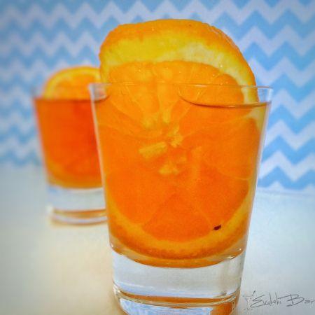 Wet Pussy Malibu, votka, Archers, cin, ananas suyu, cranberry suyu #booze #wet #archers #kokteyl #cocktail  #cranberry #cranberryjuice #gin #vodka #Archers #pineapple #pineapplejuice #orange #drunk #party #shot #malibu #cin #ananas #ananassuyu  #tasty #delicious #yummy #tarif #recipe