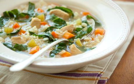 Chicken & Brown Rice Soup  8 cups low-sodium chicken broth, divided   1 medium onion, chopped   3 medium carrots, chopped   2 stalks celery, chopped   2 cups water   1 cup long-grain brown rice   1 small chicken breast (about 6 ounces), cut into 1/2-inch cubes   1 bay leaf   1 bunch kale, thick stems removed and leaves thinly sliced