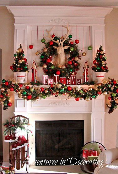 Christmas Decorating Ideas / Mantel / Home Decor Idea / Holiday / Festive / Wreath / Ornaments