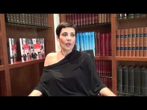 Cristina Cordula nous donne ses conseils relooking spécial rondes !