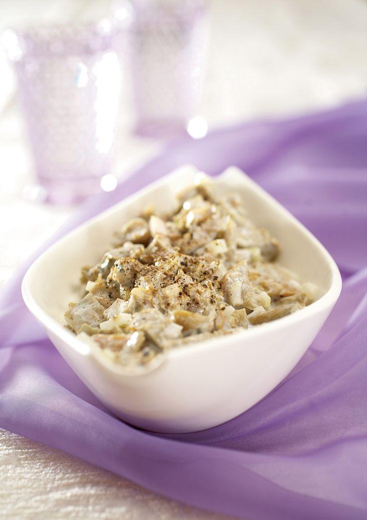 Tosi helppo sienisalaatti valmistuu nopeasti koska Pirkka haaparouskukuutioita ei tarvitse liottaa, valutus riittää. Nauti lisäkkeenä tai ruisleivän päällä.