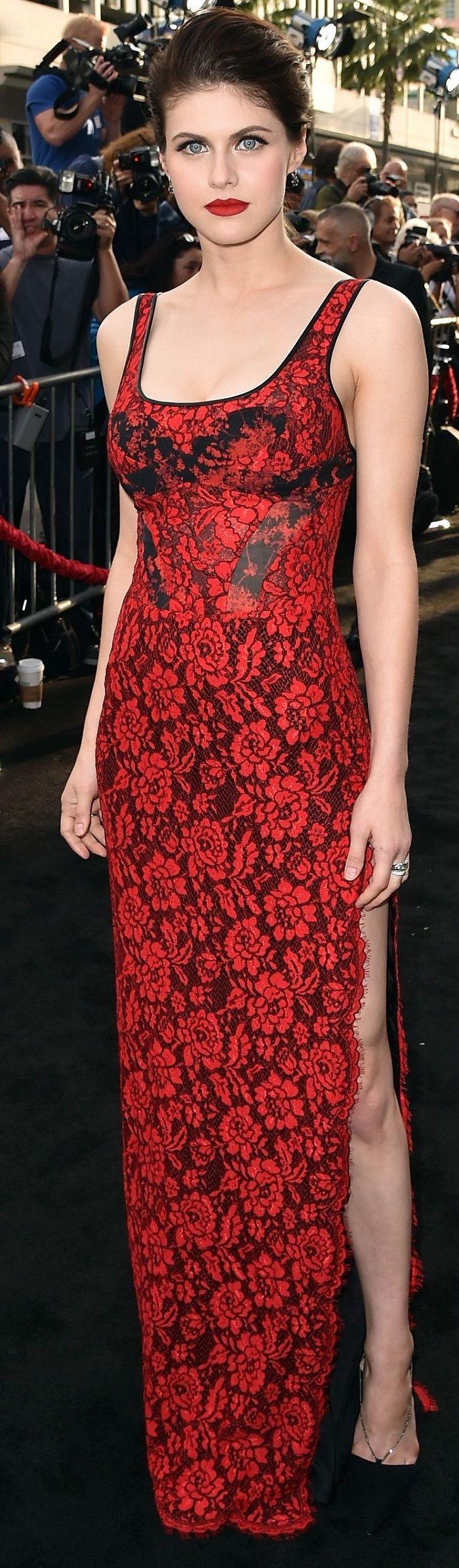 Alexandra Daddario - 'San Andreas' premiere in Hollywood 5-26-2015