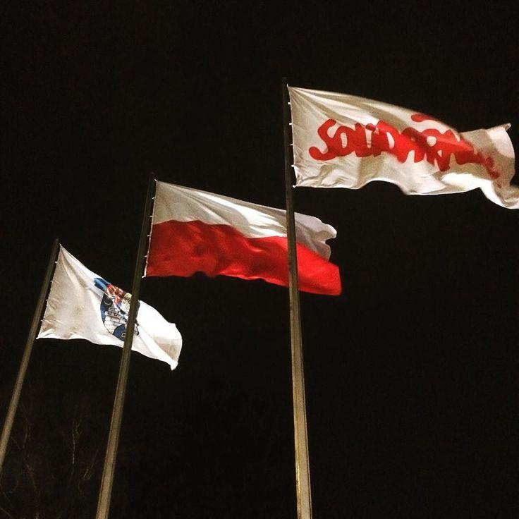 #strajkobywatelski #kod #komitetobronydemokracji #solidarnosc #miastopoznan #igerspoznan #bialoczerwona #lovemycity #poznagram #instapoznan #poznan #manifestacjakod #wolność #równość #demokracja