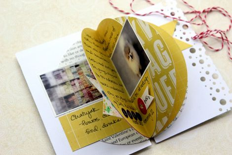 love it! a minibook with circular pages inside by Piradee Talvanna