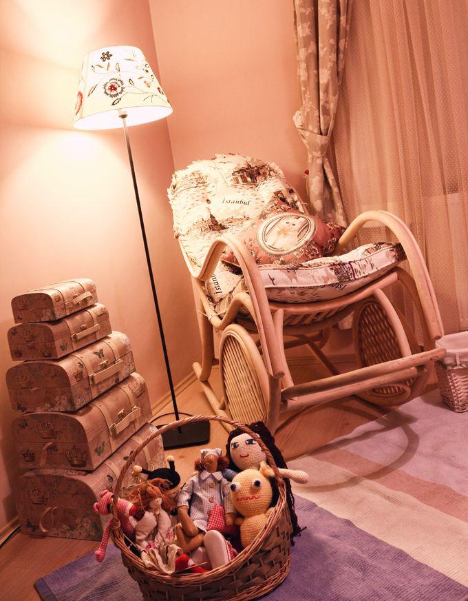 BEBEK ODASI: Organik sallanan sandalye tasarımı… Evet hayalimdeki sallanan sandalyeyi buldum sanırsam, en kısa zamanda almak umuduyla :)))