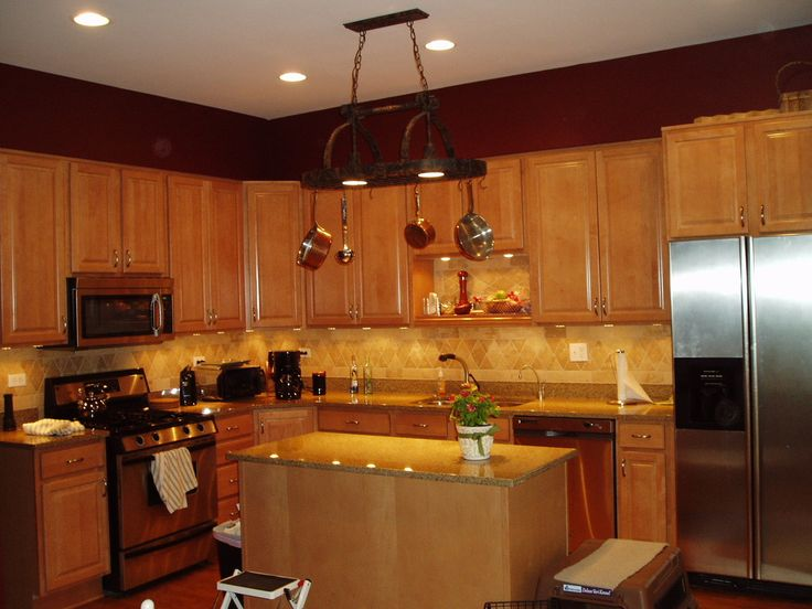 Maple Wheat Schrock Cabinets Venetian Gold Granite Tumbled Marble Splash W Puck Lights