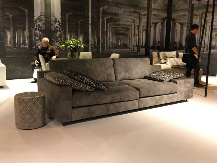 couchgeflster samtige stoffe naturbelassene leder und andere hochwertige materialien liegen im trend - Fantastisch Wunderbare Dekoration 14 Sofa Aus Leder Das Symbol Von Eleganz Und Luxus