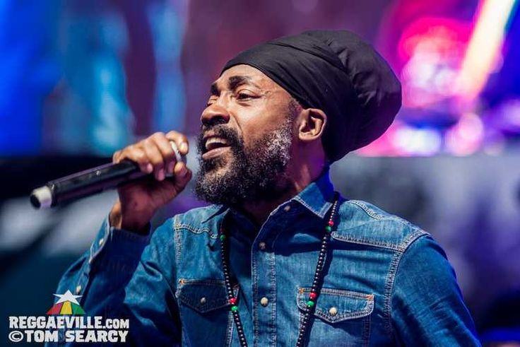 Lutan Fyah, Sly & Robbie feat. Judy Mowatt, Marcia Griffiths & Cherine Anderson @ Reggae On The River 2017