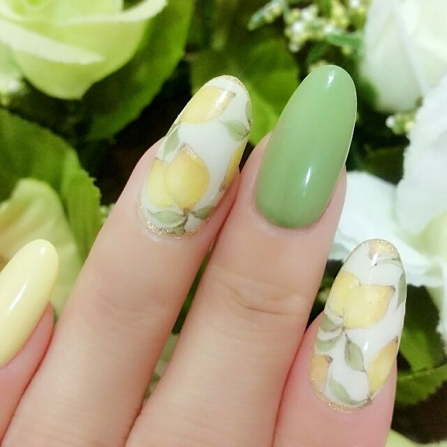 ネイル デザイン 画像 1614007 黄色 緑 白 フルーツ ワンカラー 春 夏 リゾート ソフトジェル ハンド