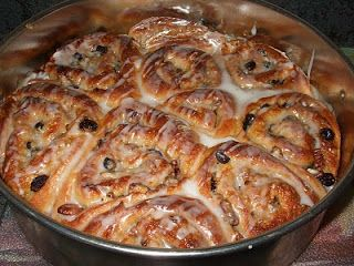 Dans les casseroles de GG: Brioches aux raisins, pacanes et érable
