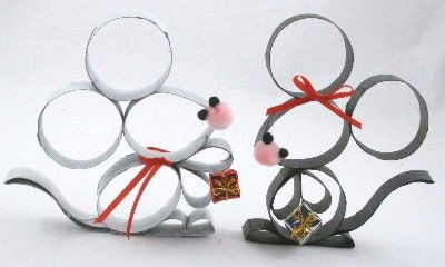 paper roll mice - 3 kids means the ability to make a litter before Christmas without a problem.