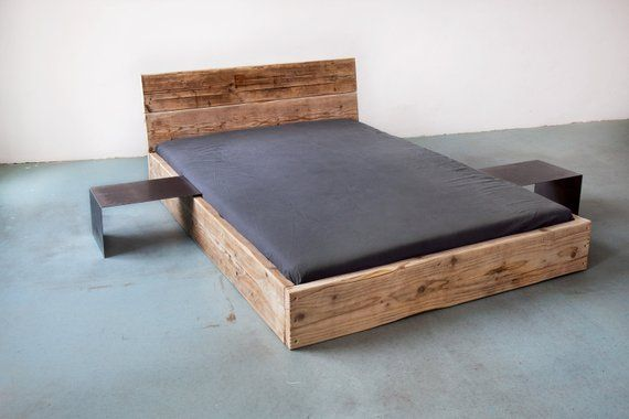 Upcycle Design Bed Model Low Made Of Lumber Solid Wood Planks Planks Country House Shabby Chic Diy Bed Design Upcycle Design How To Make Bed