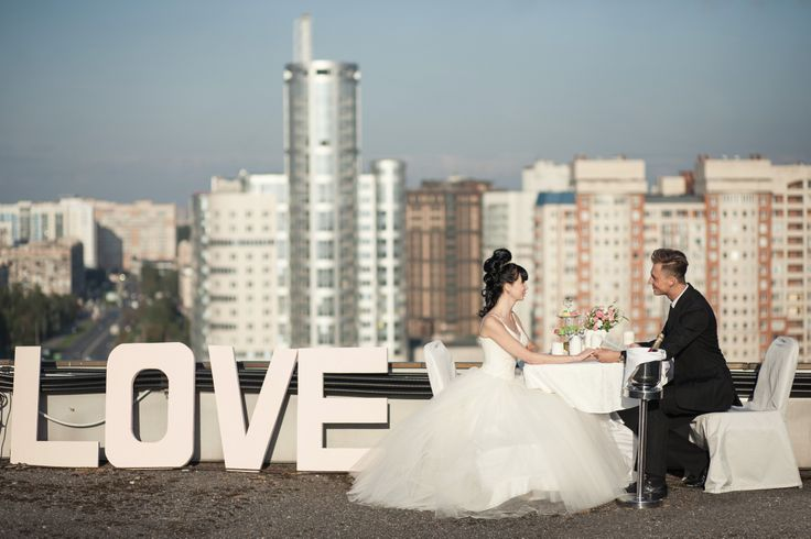 Have you ever thought about wedding pictures on the roof????