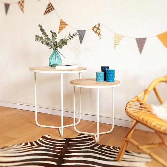 Tables basses tripodes, tables gigognes, guéridons tripodes, scandinave, coloris blanc, modèle Olympe