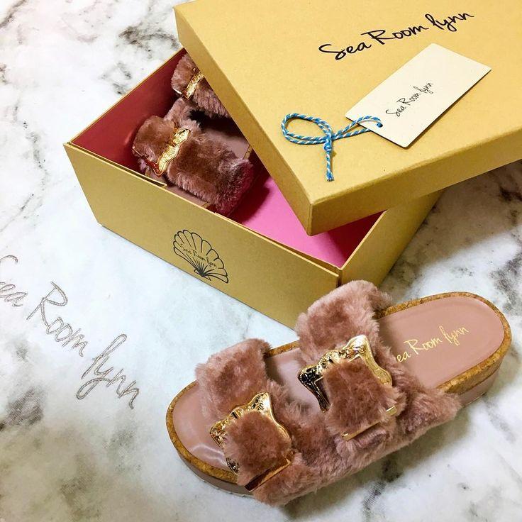 届いた�������� バックルファーコンフォートサンダ〜〜ル������ #シールームリン#オススメ#バックルファーコンフォートサンダル #かわいい#ピンク#オシャレ#ファー#ふわふわ#コンフォートサンダル#SeaRoomlynn#pink#fur#love#cute#comfortshoes http://www.butimag.com/コンフォートサンダル/post/1402754819663644033_298990270/?code=BN3lhONBMWB
