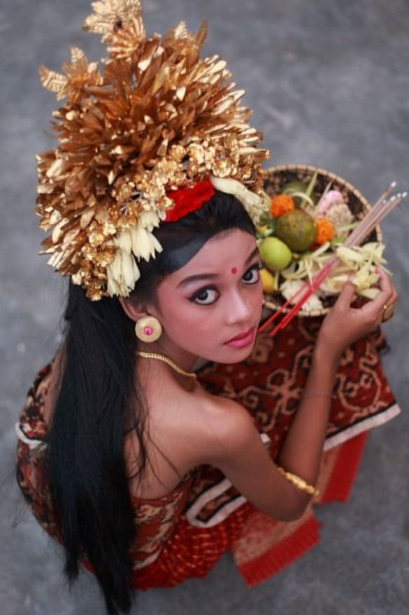 Beautiful balinese girl