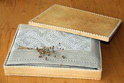 Подарочная упаковка (коробка) из бересты - РОССИЙСКИЙ ЛЕН - ИНТЕРНЕТ- МАГАЗИН ФАБРИКИ РИШЕЛЬЕ - ХУДОЖЕСТВЕННЫХ ПРОМЫСЛОВ РОССИИ лен льняная одежда из льна платья льняное постельное белье льняное с вышивкой скатерть льняная вышивка рушник где купить косоворотку сарафан занавески русская рубаха