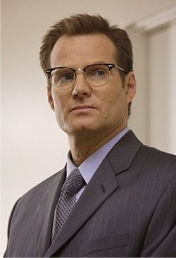 Jack Coleman as Noah Bennett, aka HRG (Horn-Rimmed Glasses). At the beginning of the show, he was a company man, bagging and tagging people with abilities for 20 years. But over time, he realizes how much The Company has changed and so has he. He makes a few more mistakes throughout the series but by the end, he has left the government altogether. Everything he does is for one reason: to protect his beloved daughter Claire.