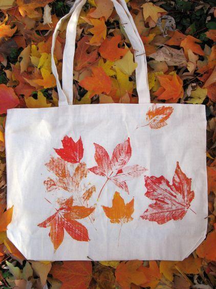 imprimer des feuilles sur du tissu, du papier... plein de possibilités