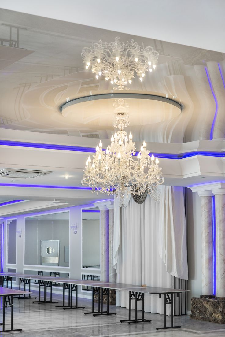Sale balowe i bankietowe / Ballrooms and banqueting halls