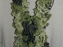 Sciarpa volant verde  HANDMADE