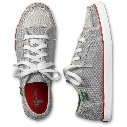 Sanuk shoes - vegan. I love my slip on Sanuks. I may need these!