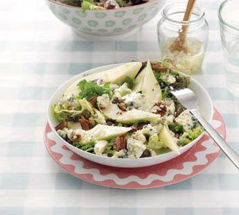Frisse maaltijdsalade met peer, noten en blauwe kaas - Recept - Jumbo Supermarkten