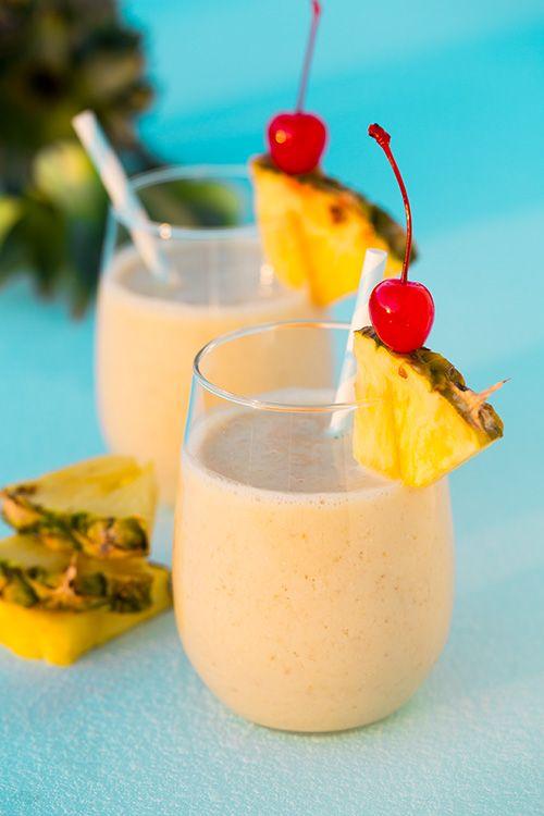 Pina Colada Oat Breakfast Smoothie - fresh pineapple, coconut greek yogurt, coconut almond milk and banana. So so good!