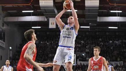 Basket, Serie A: Savanovic, l'uomo tranquillo. Sassari, scacchi e sole