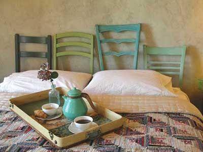 Cabeceros de cama con sillas recicladas...  #Muebles #LowCost #Decoracion #Habitacion #Ideas #LimayTMI