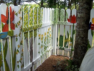 64 best images about backyard fence ideas on pinterest for Fence painting ideas