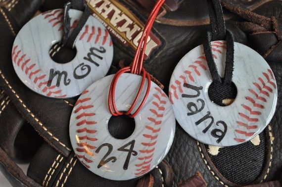 Washer baseball necklaces. Baseball season is starting back up, I wonder if I could make these?