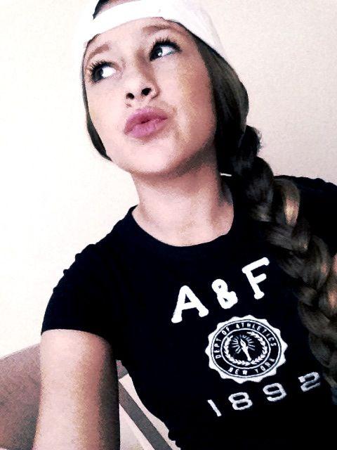 Duck lips,snap backs,braid,Abercrombie