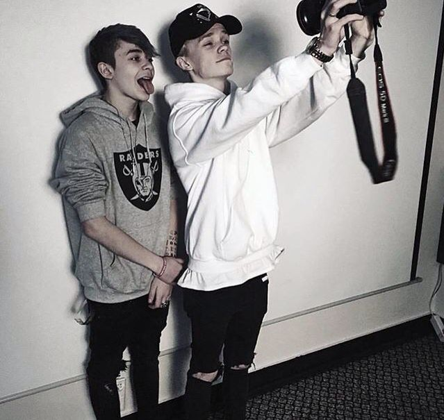 Bars and melody leondre devries Charlie lenehan hoodie camera black skinny ripped jeans hat