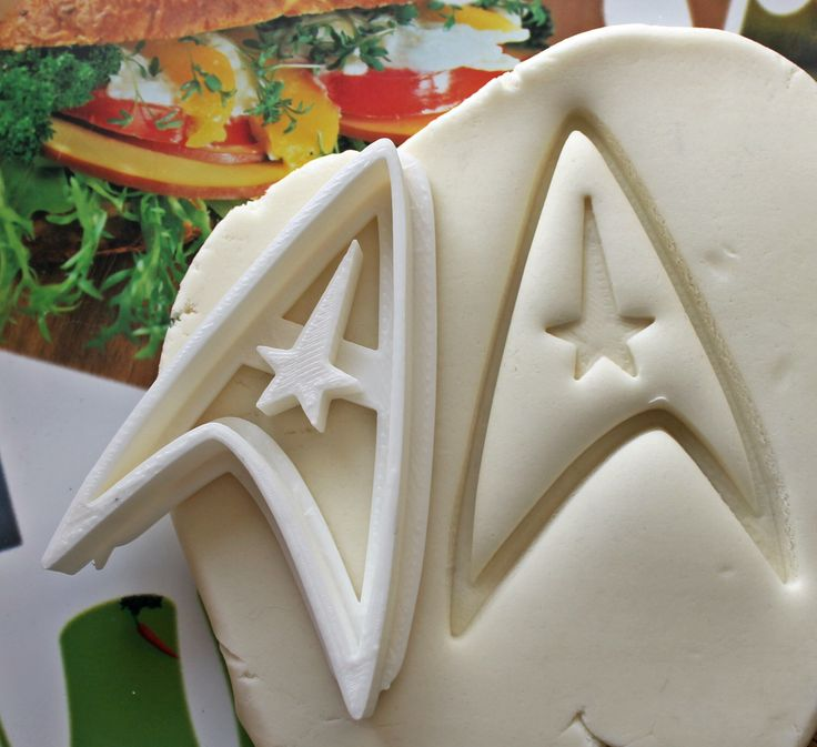 Star Trek Command Sign Cookie Cutter / Made From Biodegradable Material / Brand New / Party Favor / Kids Birthday / Baby Shower Cake Topper by Smiltroy on Etsy https://www.etsy.com/listing/212184343/star-trek-command-sign-cookie-cutter