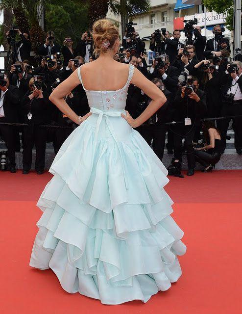 Blake Lively (Serena Gossip Girl) Festival de Cannes 216, vestido cinderela