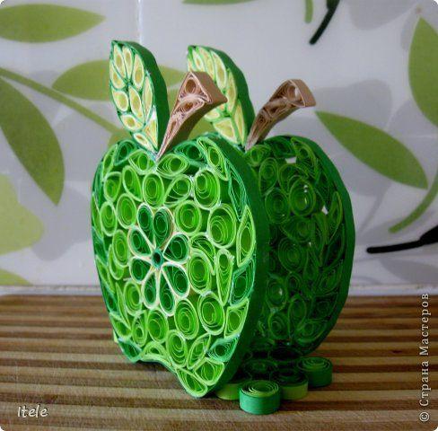 Jablko - stojánek na ubrousky * quilling                                                                                                                                                      More