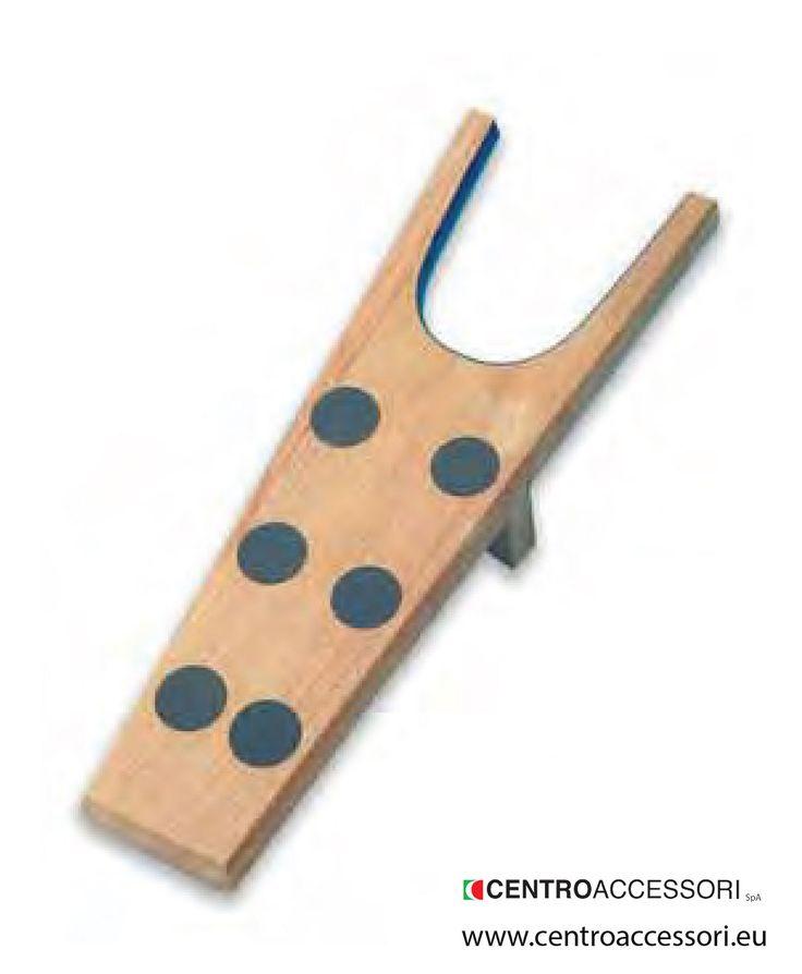 Levastivali in legno. Wooden boot jack. #CentroAccessori